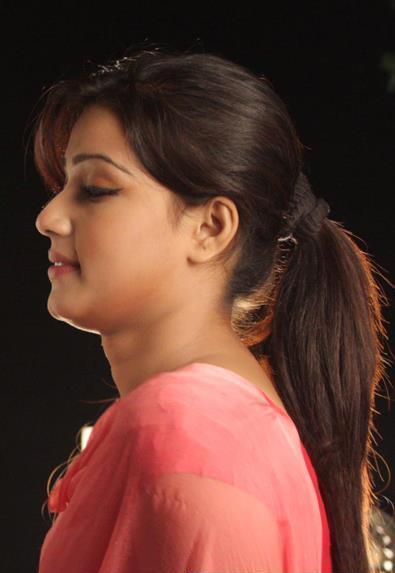Mahiya Mahi in Pora Mon (2013)