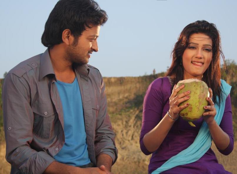 Mahiya Mahi and Saimon in Pora Mon (2013)