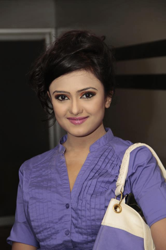 DJ Sonica: Bangladeshi Hot Diva Biography and HD Wallpapers