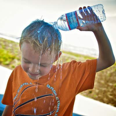 10 Ways to Keep Your Body Cool in Hot Summer Days