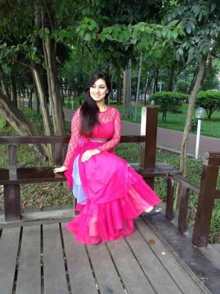 Apu Biswas: Bangladeshi Actress Biography & Photo Wallpapers
