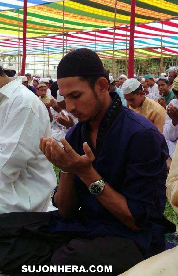 Nasir Hossain Praying on Eid Jamat