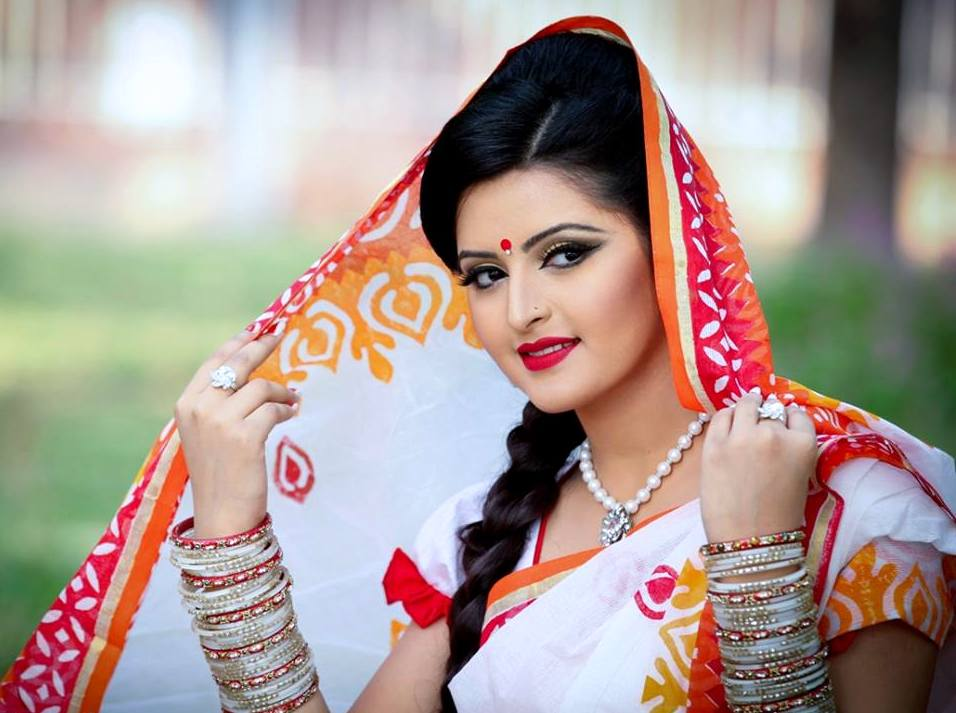 Pori Moni: Bangladeshi Model Actress Image Photo Wallpapers