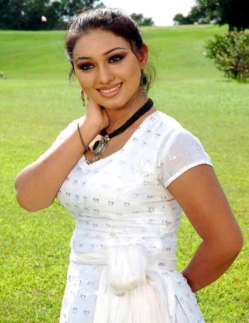 Apu Biswas Bangladeshi Actress Biography & Photo Wallpaper