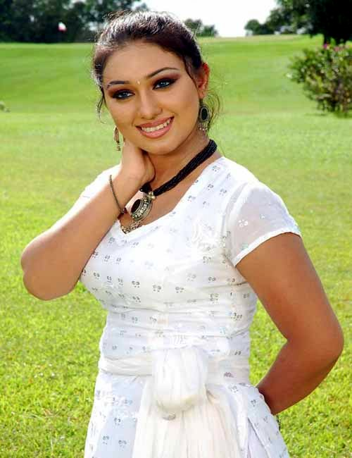 Apu Biswas Bangladeshi Actress Biography & Photo Wallpaper