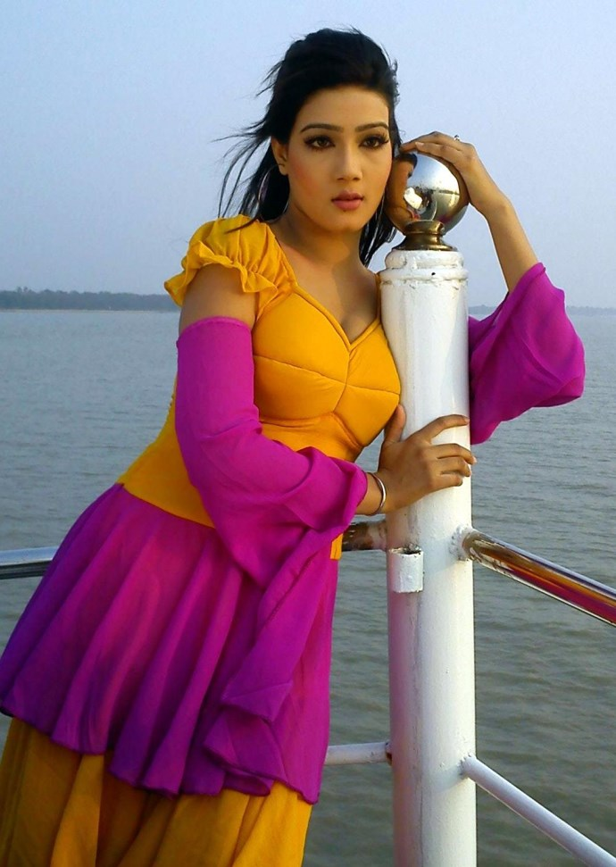 Top 10 New Bangladeshi Movie Actress With Photos