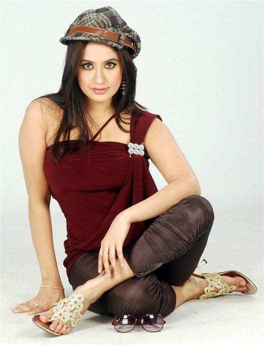 Hot Model Actress Photos