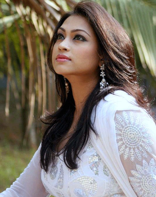 Popy: Hot Bangladeshi Model & Actress Photos