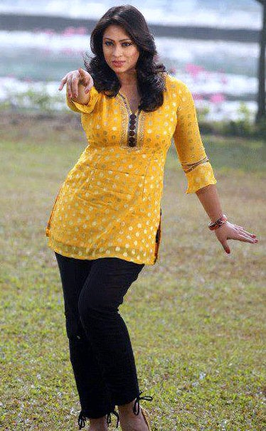 Popy: Hot Bangladeshi Model & Actress Photos