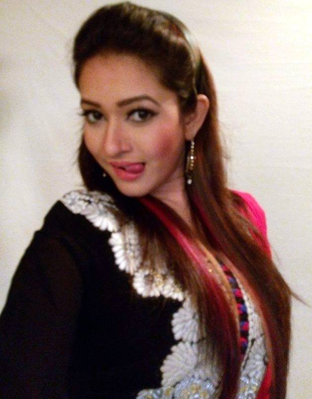 Naznin Akter Happy Bangladeshi Model Actress Photos
