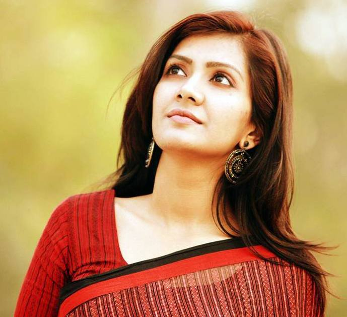 RJ Maria Nur Bangladeshi Model Presenter Biography Photos
