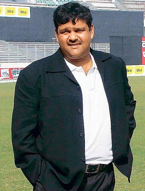 https://sujonhera.files.wordpress.com/2015/06/akram-khan-top-10-most-popular-bangladeshi-cricketers-of-all-time.jpg?resize=468%2C613&quality=95&strip=all?w=468