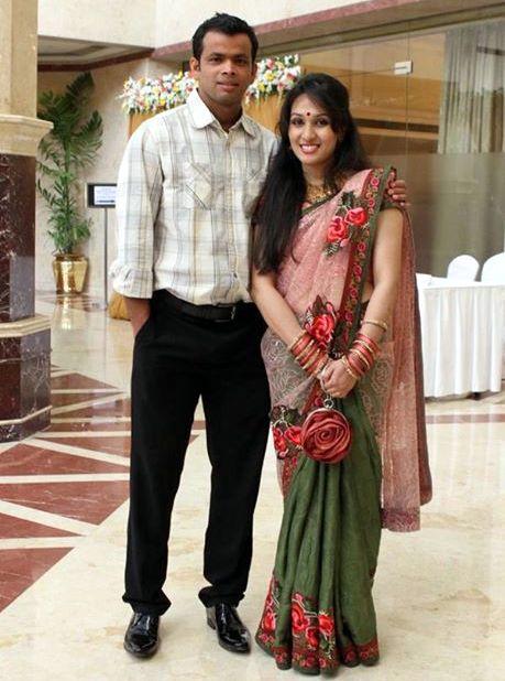 Abdur Razzak Bangladeshi Cricketer with his wife Oni