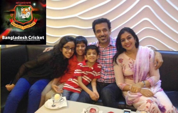 Athar Ali Khan Bangladeshi Cricketer with his family (wife and children)
