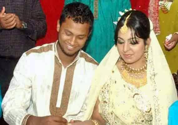 Enamul Haque Junior Bangladeshi Cricketer with his wife