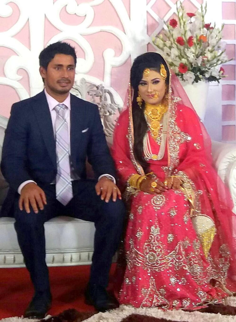 Mohammad Ashraful Bangladeshi Cricketer with his wife Anika Tasnim Orchi