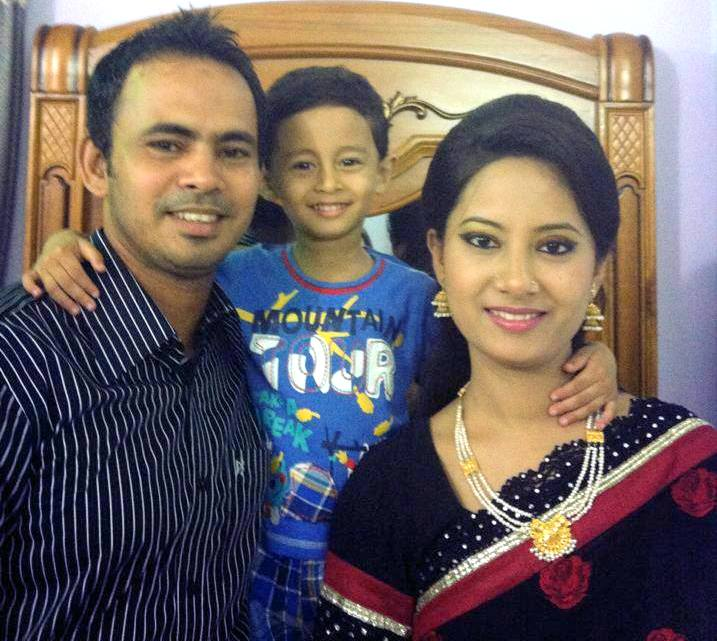 Nazimuddin Bangladeshi Cricketer with his wife and son Efaz