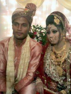 Nazmul Hossain Bangladeshi Cricketer with his wife Annie