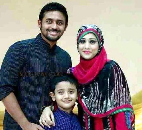Shahriar Nafees Bangladeshi Cricketer with his wife and son