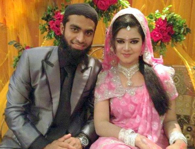 Suhrawadi Shuvo Bangladeshi Cricketer with his wife