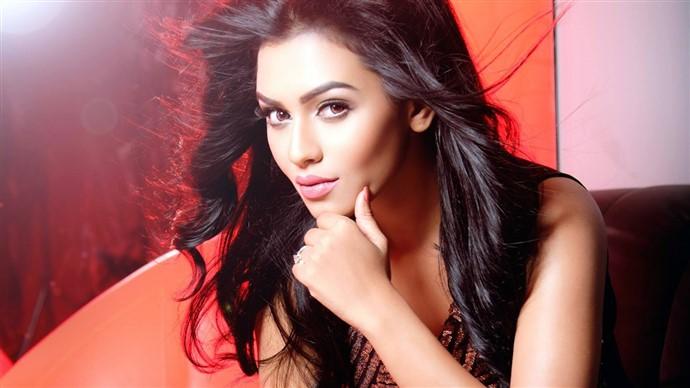 Nusrat Faria Bangladeshi Model Actress HD Photo Wallpaper