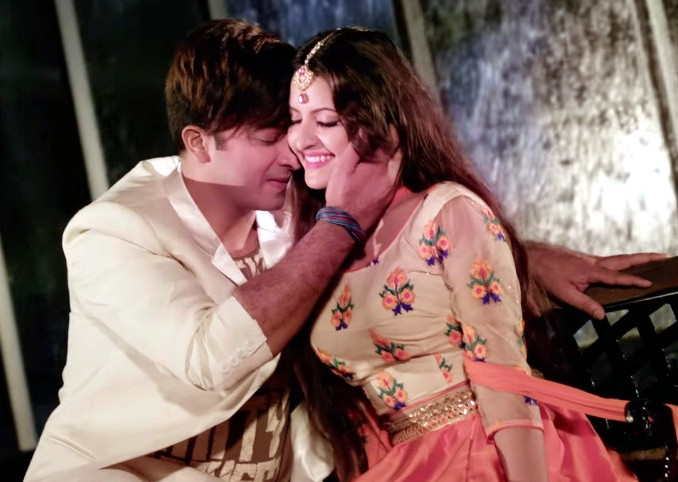 Pori Moni and Shakib Khan Couple Photo Image Picture