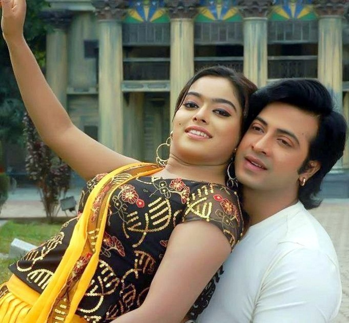 Sahara and Shakib Khan Couple Photo Image Picture